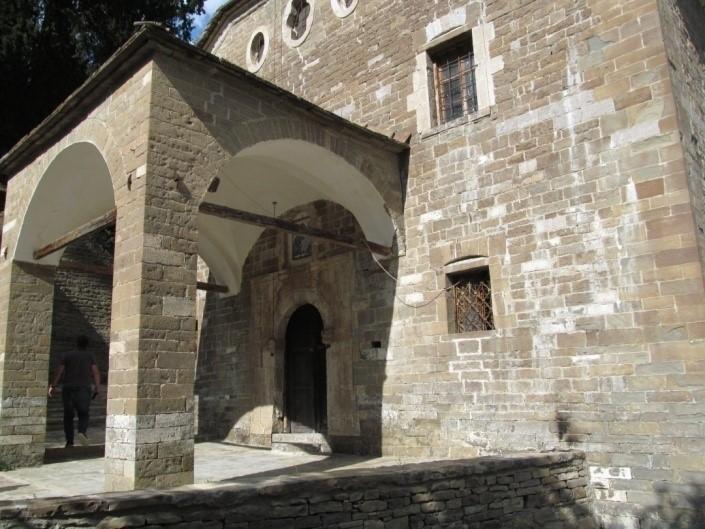 foto 75 - 76 Kisha Ortodokse e Shen Merise ne Benje te Permetit me gjithe shenimin e dites se inagurimit